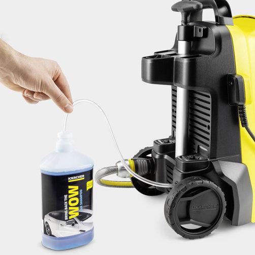 Мойка высокого давления K 4 Compact UM: Применение чистящего средства